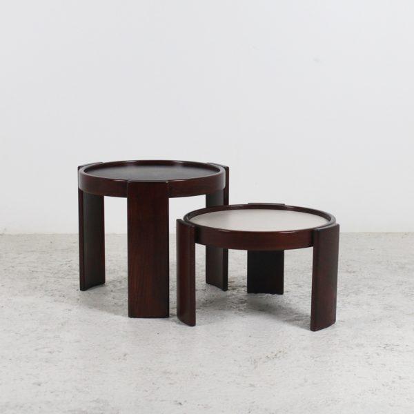 Tables basses rondes vintage 1960, en hêtre et mélaminé, de Gianfranco Frattini pour Cassina.