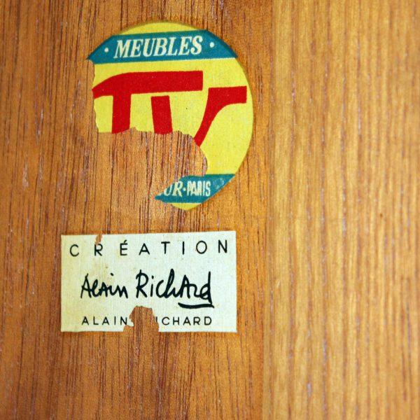 Enfilade vintage à portes coulissantes en placage d'orme, d'Alain Richard, édition Meubles TV 1950.