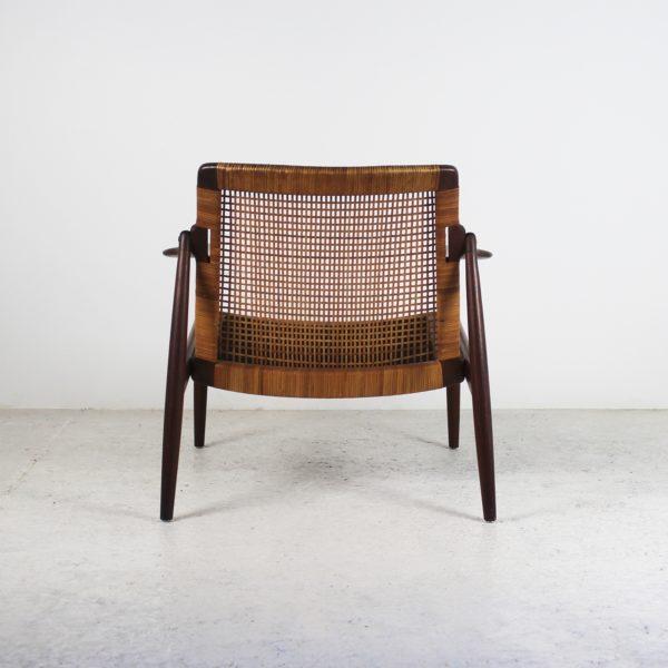 """Fauteuils vintage """"Easy Chair""""1950, en teck et dossier canné, de Hartmut Lohmeyer, édités par Wilkhahn."""