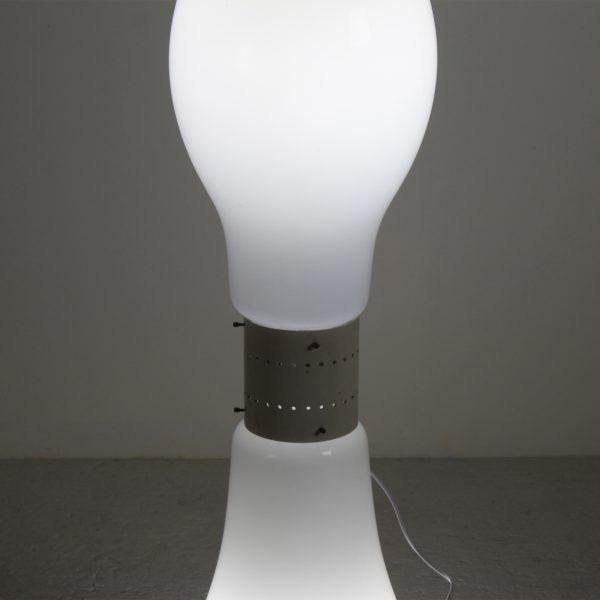 Lampe de parquet vintage 1970, en verre opalin et métal de Carlo Nason pour Mazzega.