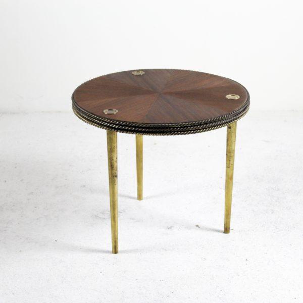 """Tables """"Partroy"""" rondes vintage en acajou et laiton, de Pierre Cruège, éditées par Formes dans les années 50."""