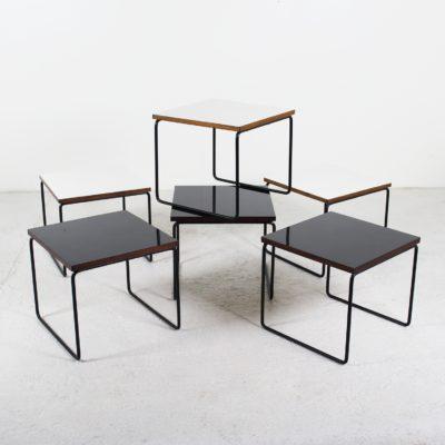 """Tables """"volantes"""" vintage, de Pierre Guariche, éditées par Steiner dans les années 50. En métal et Formica noir et blanc."""