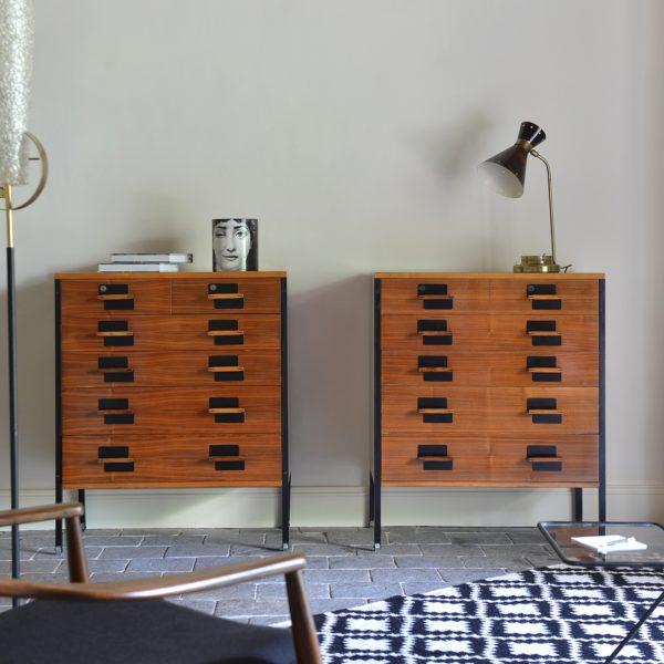 Paire de commodes vintage d'Ico Parisi, édition MIM, années 50, en palissandre et métal laqué noir.