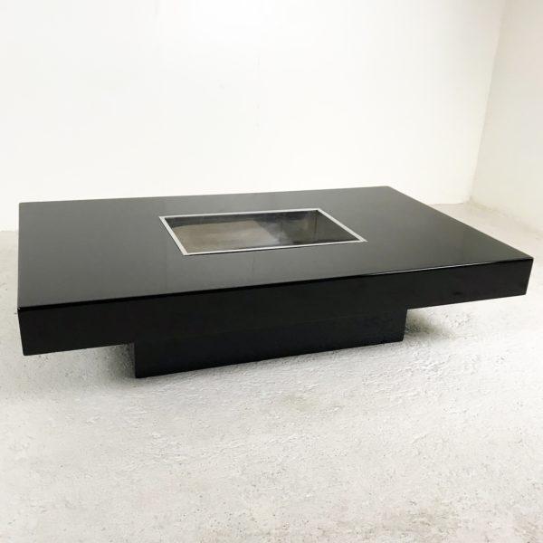 Table basse rectangulaire vintage 1970, en bois laqué et métal chromé de Willy Rizzo.