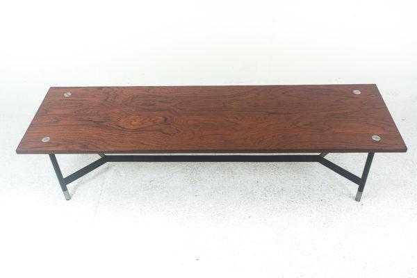 Table basse vintage rectangulaire scandinave, en teck et métal 1960.