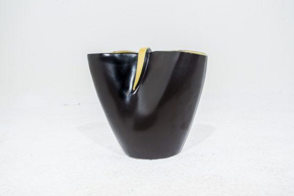 Grand vase vintage 1950, en céramique noire et jaune, signé Revernay.