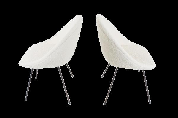 Chaises vintage des années 50, design italien, assise en tissu, piétement en métal laqué noir.
