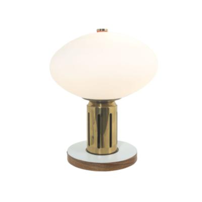 Lampe vintage années 60, en laiton, bois et opaline.