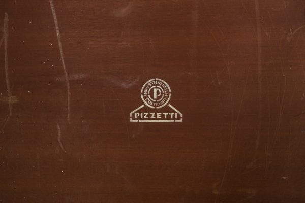 Table basse carrée, design vintage, en palissandre et métal chromé, du fabricant italien Pizzetti années 70.