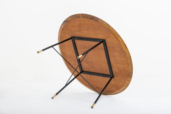 tables rétro des années 50, d'Ico Parisi pour Cassina en noyer, métal laqué noir et laiton
