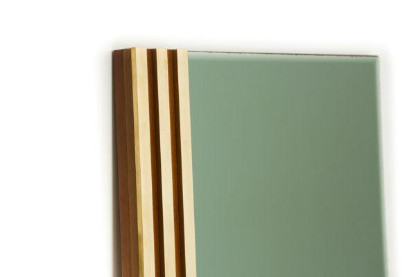 miroir vintage, travail italien des années 70, en laiton bois et verre.