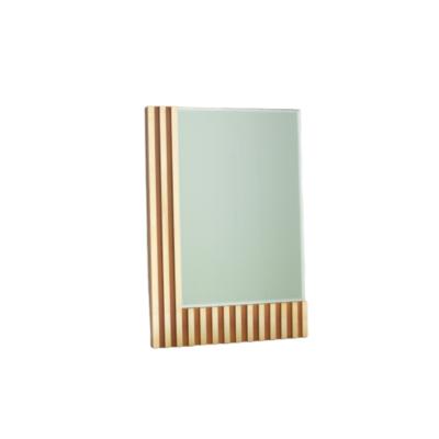 miroir vintage rectangulaire, travail italien des années 70, en laiton bois et verre.