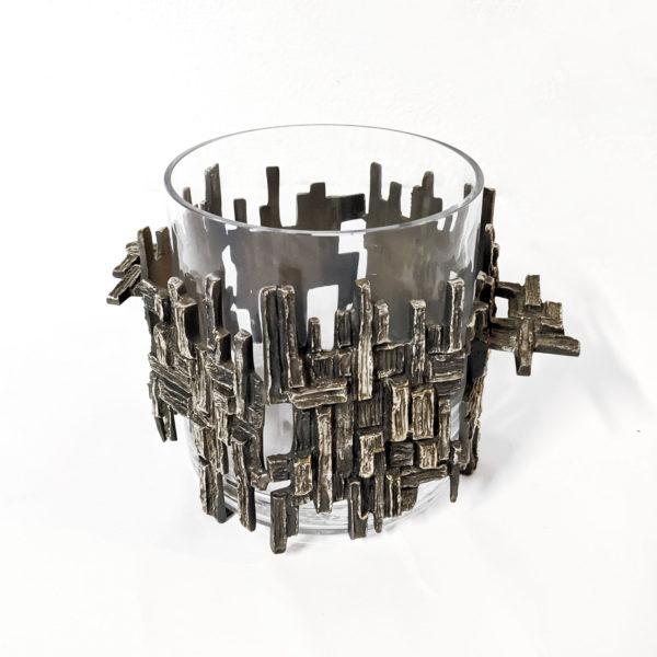 Vase des années 70 en bronzé argenté en verre