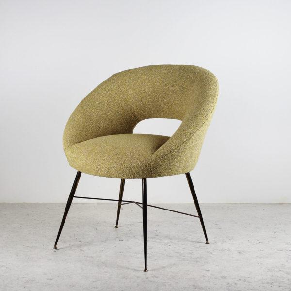 Fauteuil vintage des années 50, piétement en laiton, assise en tissu de la Maison Lelievre.