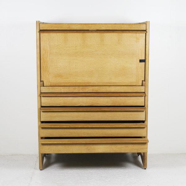 Secrétaire vintage en chêne, de Guillerme et Chambron, réalisé dans les années 50.