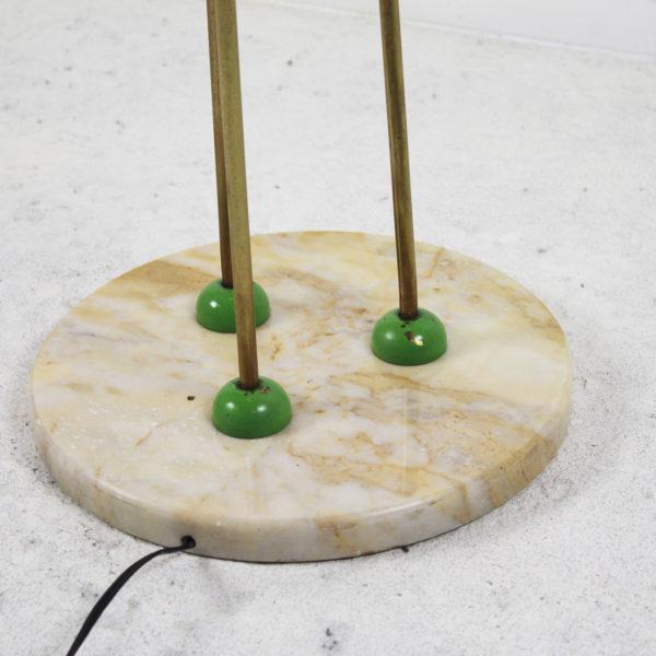 Lampadaire en laiton avec globe en opaline et base en marbre, années 50