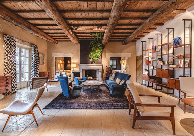 Hameau des Baux : décoration d'un hôtel 5 étoiles en Provence par Emmanuelle Vidal
