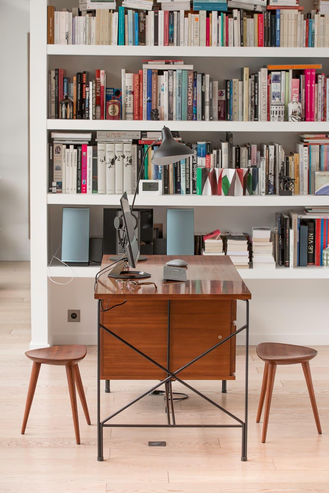 Mix and match de styles décoratifs imaginé par Emmanuelle Vidal dans un loft toulousain