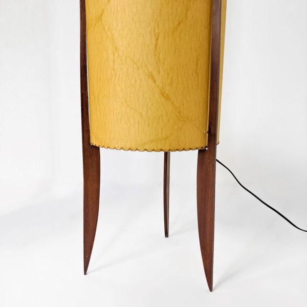Paire de lampadaires tripodes vintage, scandinaves en teck et fibre de verre, rétro, années 60.